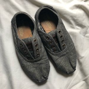 Toms - Gray with Gold Threads Flats